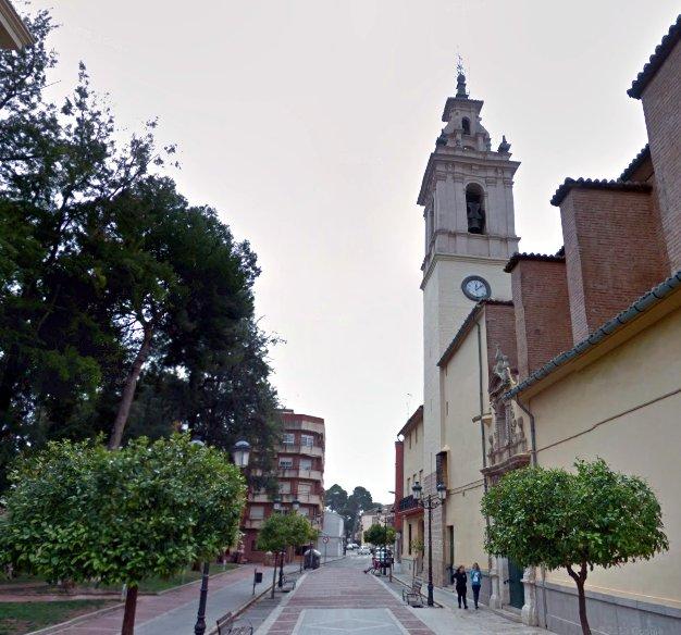 Moncada plaza iglesia